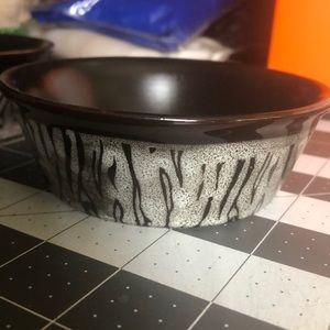 Set of 2 small pet bowls